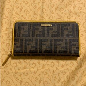 Fendi Monogram Zipper Wallet - RARE❗️